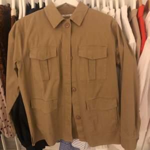 Skjortjacka perfekt till våren