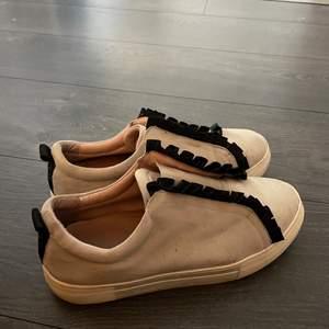 K. Cobler skor inköpta sent 2018 för 999kr. I använt men bra skick!