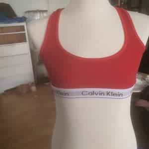 En Calvin Klein topp, I bra skick och knappt använd