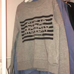 Tröja från Cheap monday! Säljer min cheap monday tröja i storlek XS. Den är i bra skick och säljer pågrund av att den inte kommer till användning!