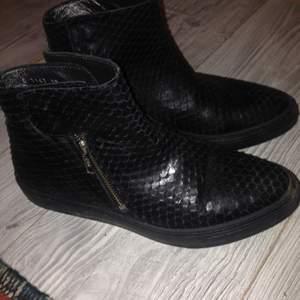 Svarta läder boots