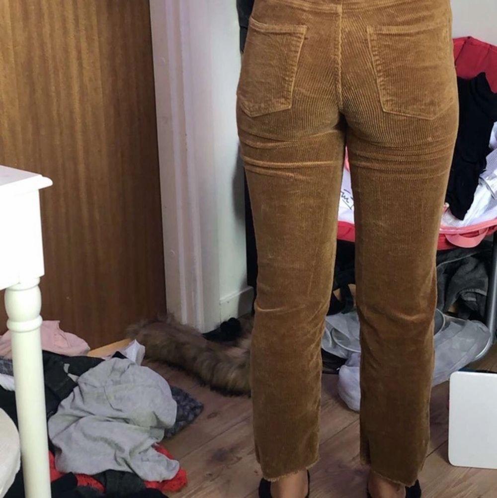 Använt få ggr kan frakta elr mötas upp och då ingår frakt i priset lite för korta för mig . Jeans & Byxor.