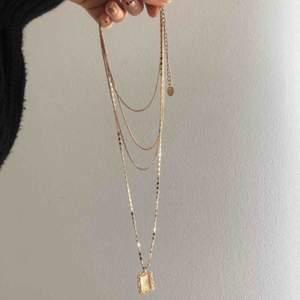Super fint halsband från ur och Penn. Snålt använt Priset kan diskuteras vid snabb affär, endast swish betalning.