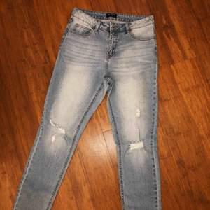 Snygga jeans från rut & circle. Använda en gång. I gott skick. Högmidja. Stretch.