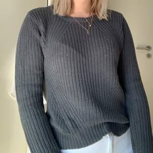 Stickad tröja från Veromoda, som är köpt för ett par år sedan. Bra skick. Frakt ingår ej!💞☀️