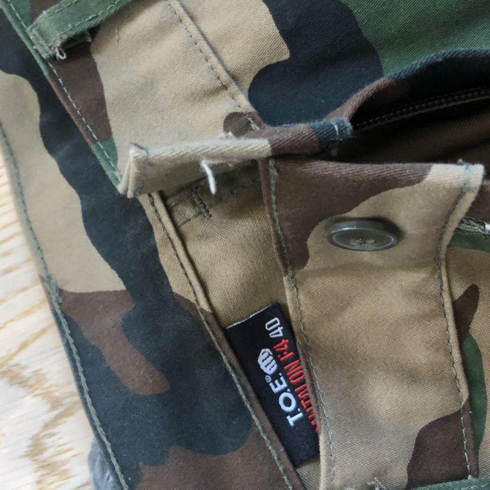 Säljes pga för stora. Köpare står för frakt!. Jeans & Byxor.