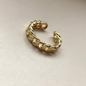 Jättefin guldig ring som en kedja, justerbar så passar alla! 🙌🏻💛