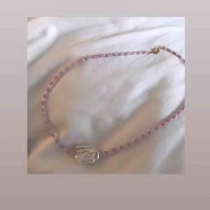 Säljer jättefina handgjorda smycken. Kontakta mig för egen beställning💕