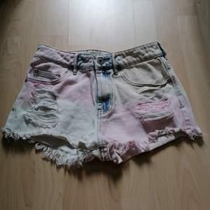 As balla shorts som tyvär inte blir använda,, väldigt fint skick💖så himla coola till ett rosa eller blått linne tex💖