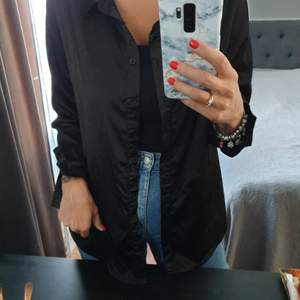 Black satin shirt - worn once - size L - can be worn as oversized straight fit shirt or tied up