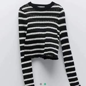 (LÅNAD BILD)😎 Asball tröja från Zara, HELT NY. Storlek M, men passar snarare XS/S💓💖 budgivning vid många intresserade!! Frakten betalas av köparen! Buda