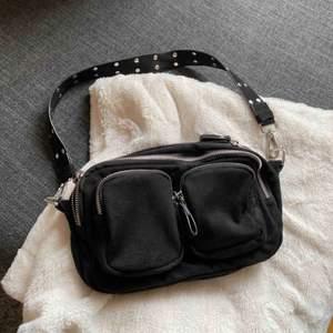 Säljer min fina väska då jag behöver pengarna, Super bra skick! Endast Swish betalning, köparen står för frakt