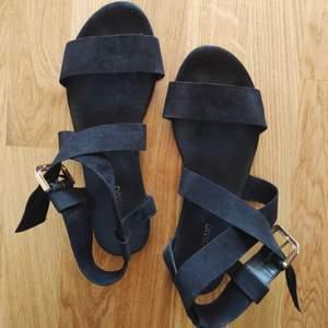 Supersöta sandaletter från H&M. 50 kr + frakt, kan mötas i Linköping 😊