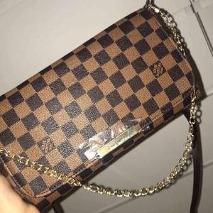 Louis Vuitton väska, dustbag ingår. Pris kan diskuteras.