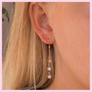 Världens finaste stjärnörhängen för bara 75kr/par ✨🧚🏼 Frakten är inkluderad!