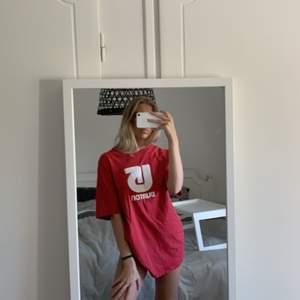 Röd burton t-shirt❤️