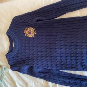 Säljer min Falsterbo tröja för jag använder inte den.