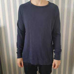 Blå tröja från Samsøe Samsøe.
