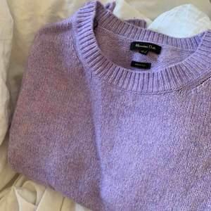Lavendel lila stickad tröja från Massimo dutti. Köpt för ca 800kr 💜💜