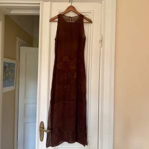 Jättefin vintage klänning i mesh-material! 💘💞