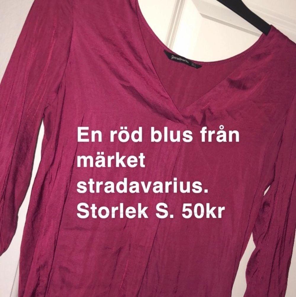 Från Stradavarius . Blusar.