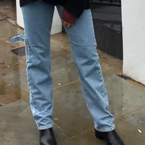 Säljer dessa straight jeansen från Subdued. Nästan aldrig använda! Köpte för 900kr.  🖤