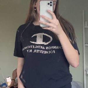 Fin campion t shirt, prginalpris 150kr