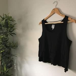 Superfint linne från Monki, använd få gånger 🌸