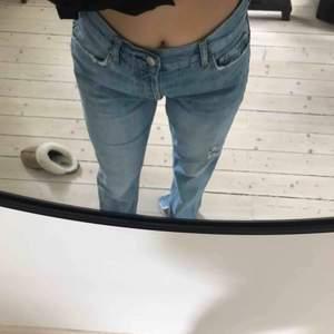 Jeans från Gina Tricot. Slits och fin kvalitet.
