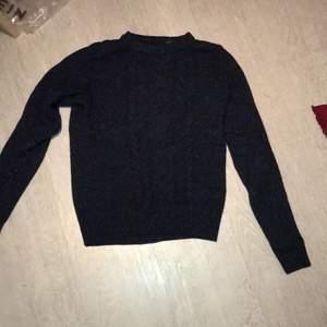 Stickad tröja från gant. Använd 1-2 gånger