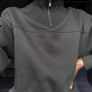 Mörkgrön tröja från h&m