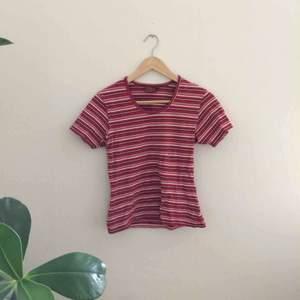 Randig t-shirt, köpt på secondhand