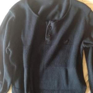 Lyle & scott tröja Nypris: 1500 kr