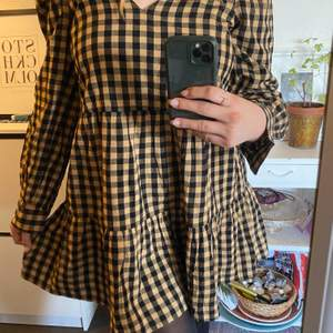 Så fin klänning från Asos <3 inte använd endast testad!