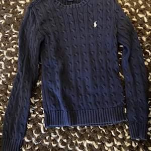 En Ralph Lauren tröja som jag säljer för 100kr.
