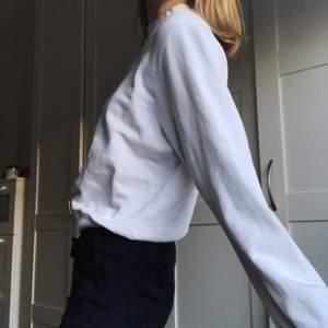 Enkel sweatshirt från &otherstories, sparsamt använd, som ny!!