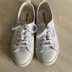 Sneakers från Superga. Använt endast 3 gånger💕