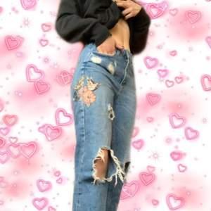 Snygga jeans med fina detaljer🧚🏼♀️