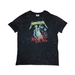 Vintage Metallica tee i skick 8/10 (vintage), frakt tillkommer, pris kan diskuteras, betalning sker via swish, hör av er vid frågor & intresse.
