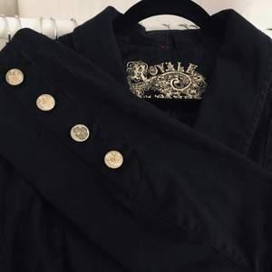 Vintage gothic present från vän i Paris. 98% bomull. 2% elastan. Strl S. 🥀
