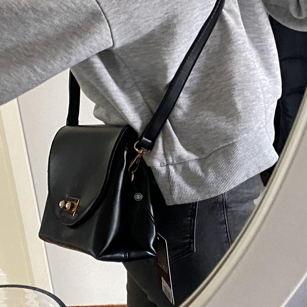 Helt ny Duki Daso väska! Prislappen sitter kvar.. Accessoarer.
