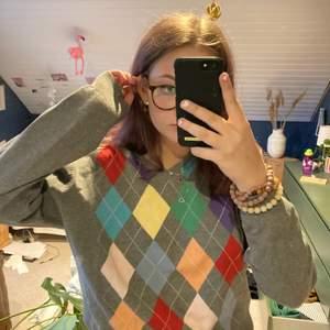 Grå och färgglad tröja från Park Lane, jättebra skick säljs då den ej används!!