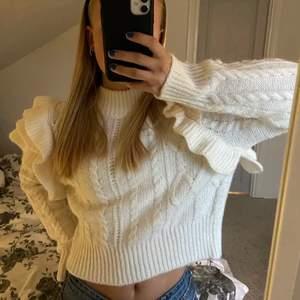 Lånade bilder!! Säljer denna tröja som jag köpte förra vintern på ginatricot! Superfin i nyskick❤️ storlek S, 266kr inkl frakt