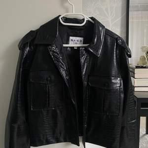 Säljer min jätte fina läderjacka från NA-KD <3