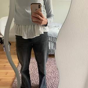 Säljer dessa stright full length jeans från zara för 190 +frakt, pris kan diskuteras