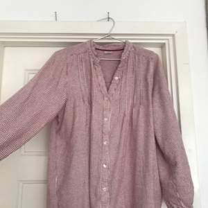 Somrigt nattlinne som jag har använt som klänning,super skön under svenska sommar dagar eller när man precis stigit upp ur sängen!