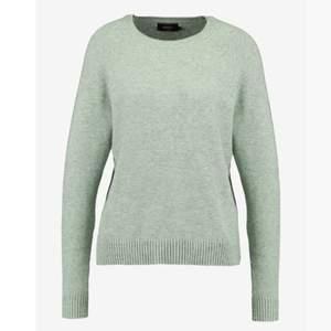 Super fin stickad tröja från only i en mjuk grön färg. Storlek XS. Den är i bra skick. Betalning sker via swish. Du står för frakten💚💚