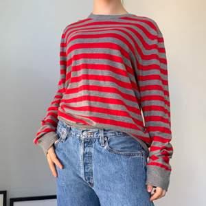 Röd och grå randig stickad tröja från old navy