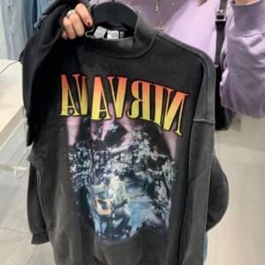 nirvana sweatshirt från h&m, köpt för 299kr. helt slutsåld på hemsidan!