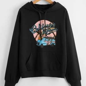 Helt ny hoodie som jag inte orkade skicka tbx,köpt för 200